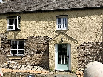 Lime Pointing vs Lime Rendering Cornwall During
