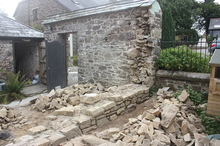 Cob Rebuild in Cornwall